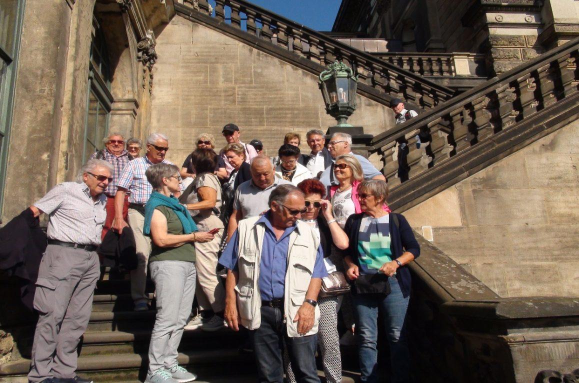Die Mitglieder und ihre Freunde beim Verlassen des Dresdner-Zwinger  - Foto: H. von Allmen